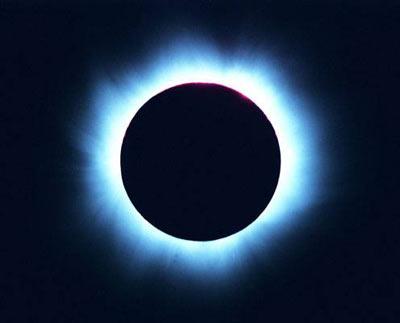 Eclipse ANULAR del SOL el próximo viernes 25-11-11. Y en el 2012 tendremos otro el 20 de Mayo y un eclipse TOTAL para el 13 de Noviembre, los 3 visibles en el hemisferio Sur...Y también Eclipse TOTAL de LUNA para el 10 de diciembre próximo!!!