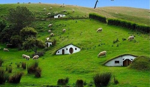 Casas-ecologicas-del-futuro-hobbits
