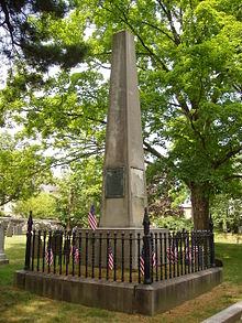 220px-Patriots'_Grave,_Old_Burying_Ground,_Arlington,_Massachusetts