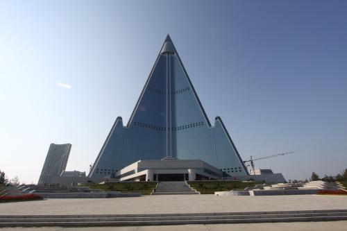 ryugyong hotel 330