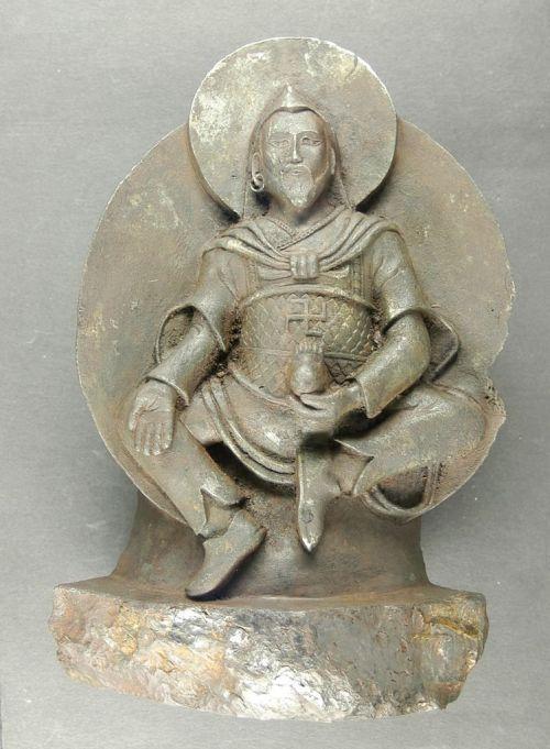 estatua_budista_de_meteorito