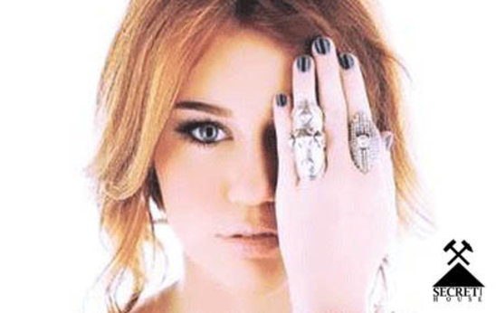 IlluminatiWatcherDotCom-Miley-Cyrus-77