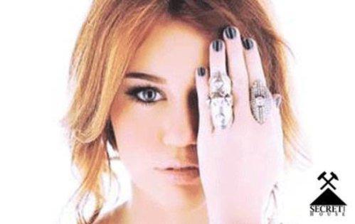 IlluminatiWatcherDotCom-Miley-Cyrus-77