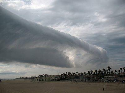 amazing-wave-cloud-huntington-beach-california-may-7-2014