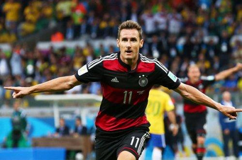 Miroslav-Klose-celebra-su-gol-_54411715069_54115221154_600_396