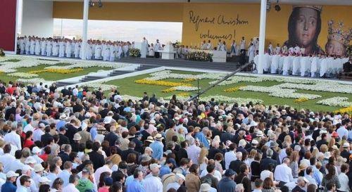 altar-beatificacion-don-Alvaro-Portillo_ECDIMA20140927_0003_16
