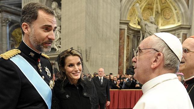 felipe-letizia-papa-francisco--644x362