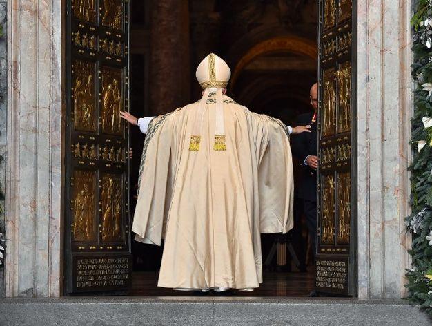 francisco-inaugura-jubileo-misericordia-perdon_869324017_44383526_626x472