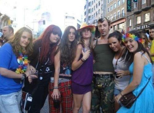 las-hijas-de-rodriguez-zapatero-en-el-orgullo-gay-facebook