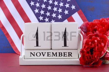 46755522-estilo-de-calendario-bloque-de-madera-del-vintage-para-el-11-de-noviembre-de-ee-uu-d-a-de-los-vetera