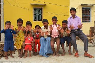 6-dedos-familia-india