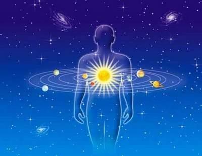 humano-y-astros-astrologia